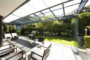 terrasoverkapping met zonwering Busscher Serrebouw