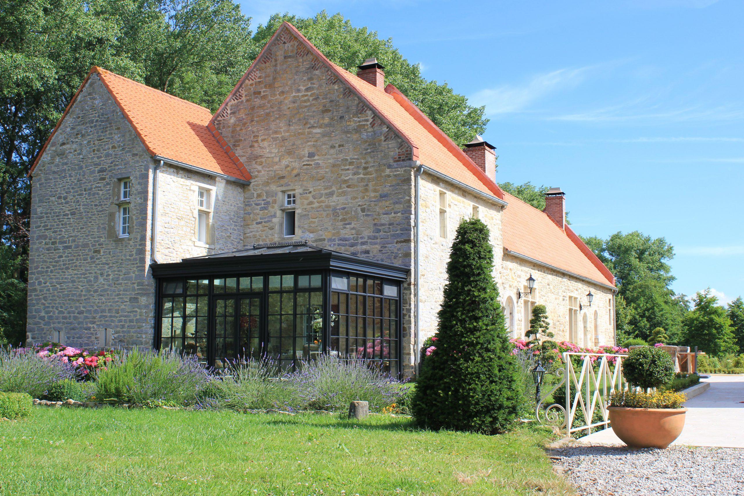 Klassieke orangerie veraf