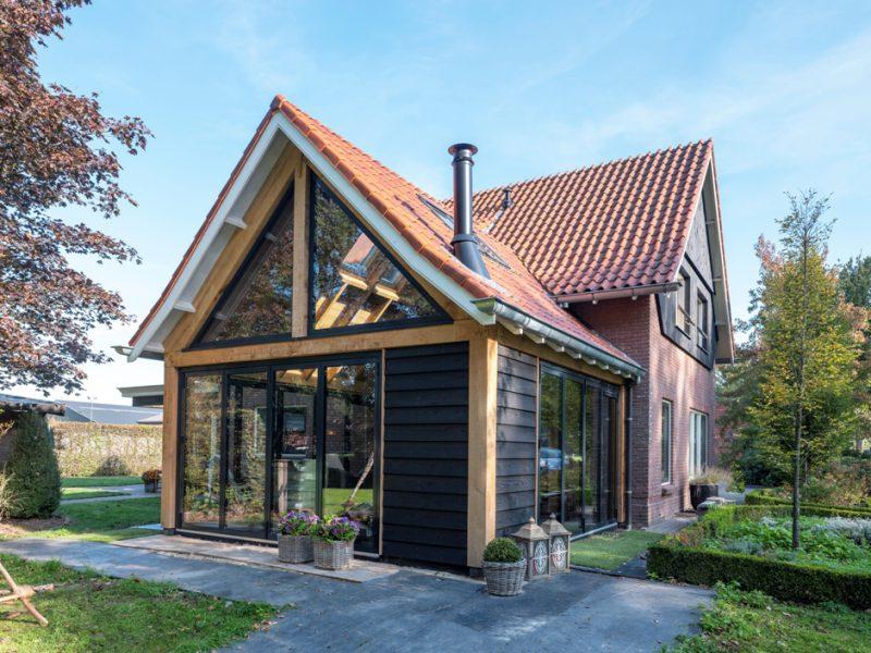 Geïsoleerde tuinkamer als serre in Overijssel
